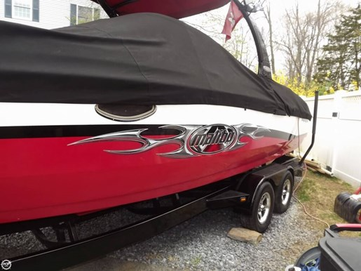 2005 Malibu 25 Sunscape LSV w/ Wakesetter Package Photo 3 of 20