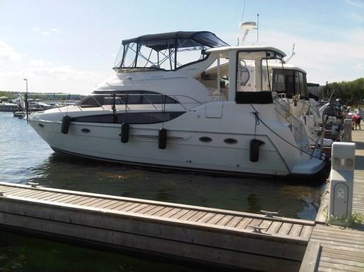 408 Motor Yacht
