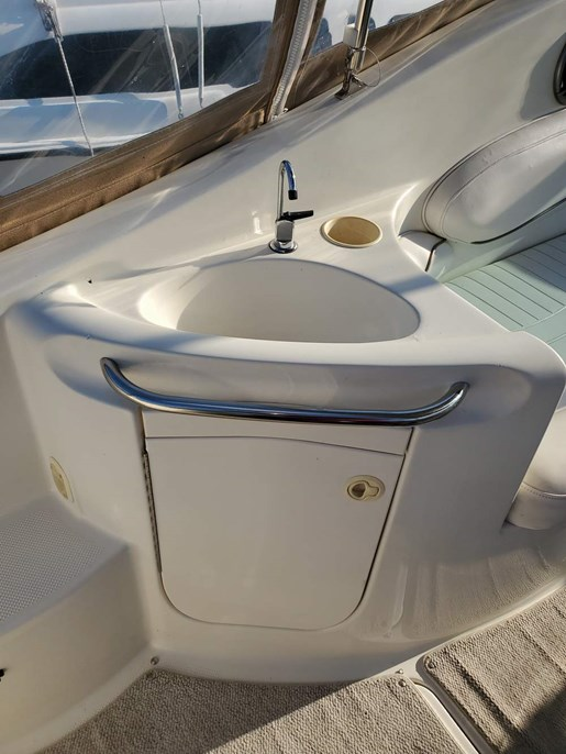 2000 Maxum boat for sale, model of the boat is 2700 SCR & Image # 5 of 10