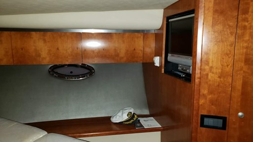 2006 Cruisers Yachts boat for sale, model of the boat is 520 Express MC & Image # 34 of 56
