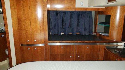 2006 Cruisers Yachts boat for sale, model of the boat is 520 Express MC & Image # 38 of 56