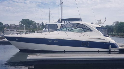 2006 Cruisers Yachts 520 Express MC