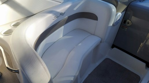 2003 Sea Ray boat for sale, model of the boat is 320 Sundancer & Image # 6 of 16