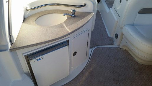 2003 Sea Ray boat for sale, model of the boat is 320 Sundancer & Image # 7 of 16