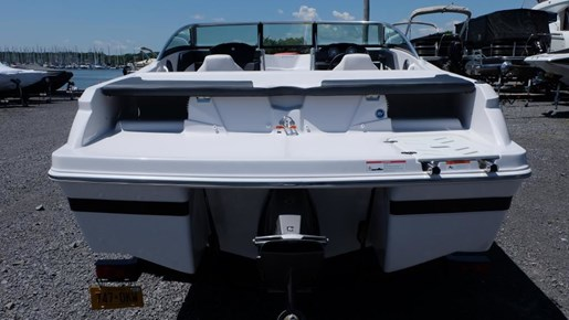2016 Four Winns Freedom 190 Volvo 200HP Trailer Photo 5 of 22