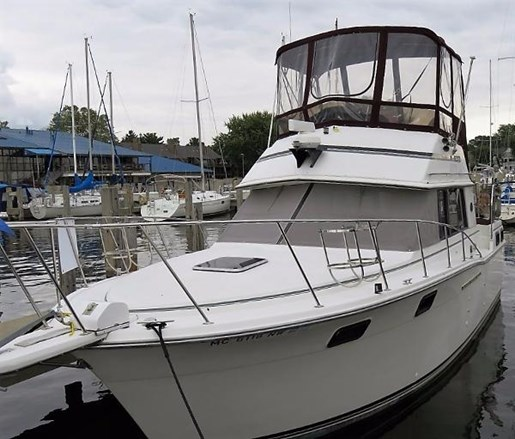 Carver 3207 aft cabin motor yacht 1989 used boat for sale for Carver aft cabin motor yacht