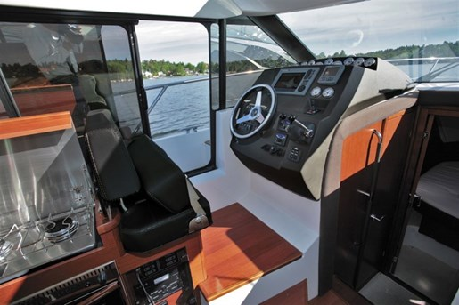 2016 Jeanneau NC 11 Twin Volvo D3-200 Diesel Sterndrives with... Photo 20 of 58