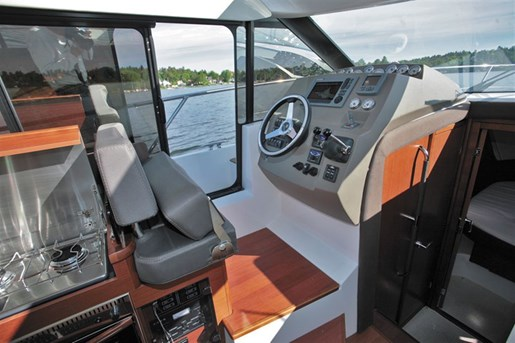 2016 Jeanneau NC 11 Twin Volvo D3-200 Diesel Sterndrives with... Photo 42 of 58
