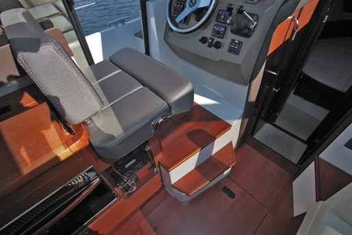 2016 Jeanneau NC 11 Twin Volvo D3-200 Diesel Sterndrives with... Photo 43 of 58