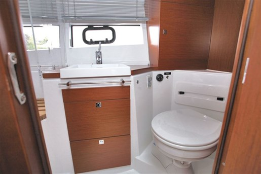 2016 Jeanneau NC 11 Twin Volvo D3-200 Diesel Sterndrives with... Photo 29 of 116
