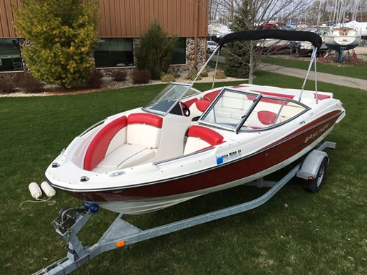 Bayliner 215 2012 used boat for sale in sturgeon bay for Used outboard motors for sale wisconsin