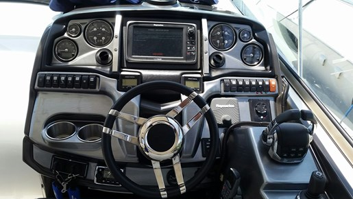 2013 Monterey boat for sale, model of the boat is 400 SY & Image # 9 of 31