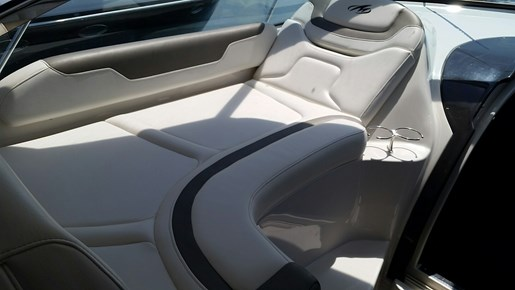2013 Monterey boat for sale, model of the boat is 400 SY & Image # 17 of 32