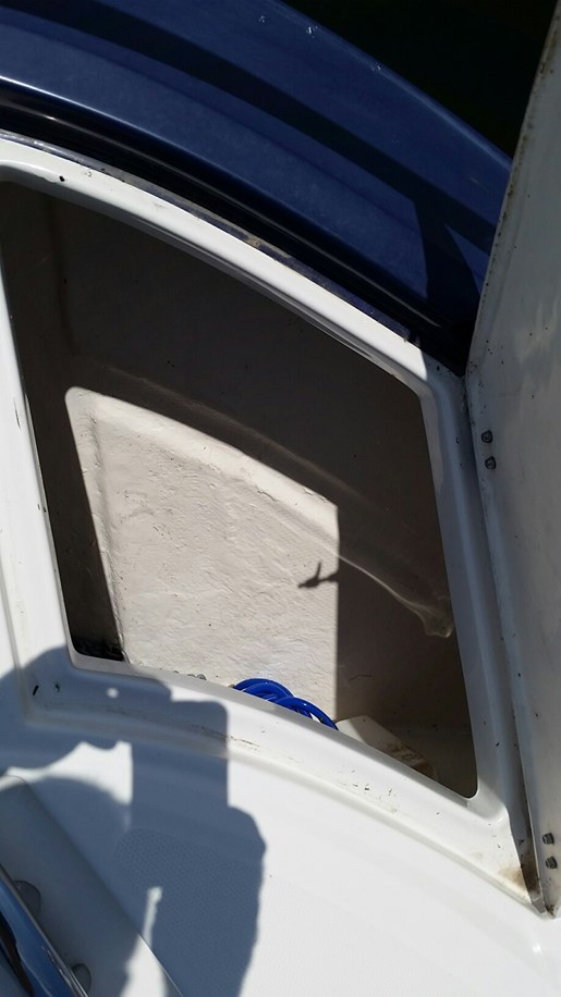 2013 Monterey boat for sale, model of the boat is 400 SY & Image # 4 of 31