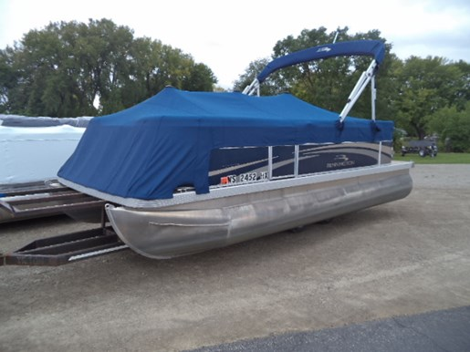 Bennington s20 2013 used boat for sale in oshkosh wisconsin for Used outboard motors for sale wisconsin