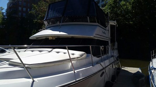 1992 Carver boat for sale, model of the boat is 3608 Aft F/B & Image # 2 of 28