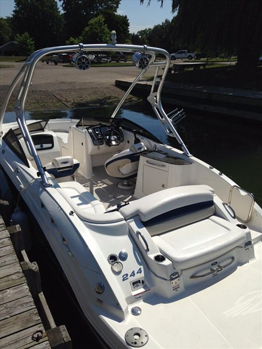 Chaparral Sunesta 244 2016 New Boat For Sale In