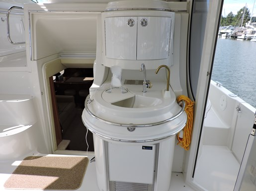 2005 Carver 46 Motor Yacht Photo 17 of 74