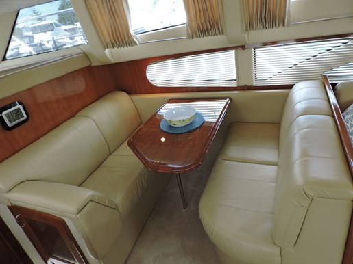 2005 Carver 46 Motor Yacht Photo 43 of 74