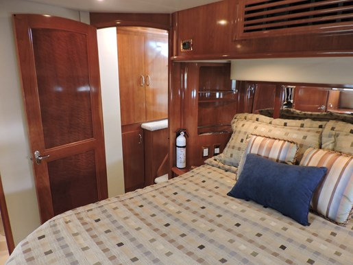 2005 Carver 46 Motor Yacht Photo 55 of 74