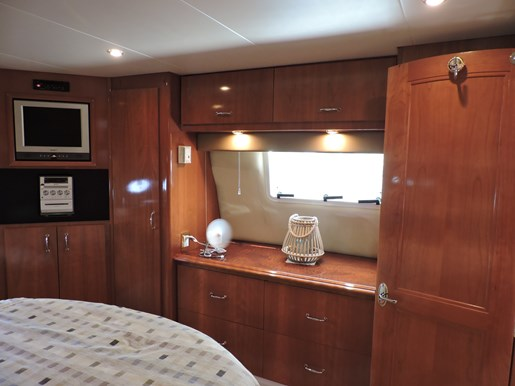 2005 Carver 46 Motor Yacht Photo 58 of 74
