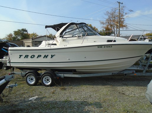 Bayliner 2509 Trophy 2000 Used Boat for Sale in Port Colborne, Ontario -  BoatDealers ca
