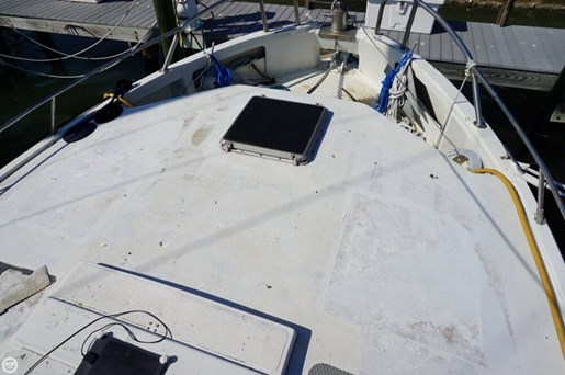 2000 Custom 45 Pilothouse Trawler Photo 18 of 20