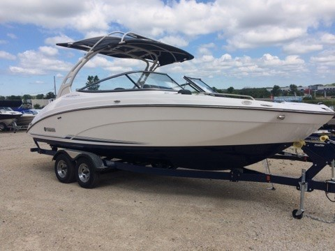 Yamaha 242 limited e series 2017 new boat for sale in for Yamaha 242 for sale