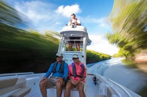 2017 Everglades 243CC Photo 10 of 30