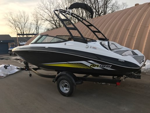 Yamaha ar195 2017 new boat for sale in madison wisconsin for Yamaha dealers in arkansas