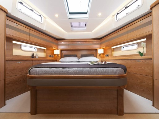 Moody 54 2018 new boat for sale in bc british columbia for Amenagement interieur bateau