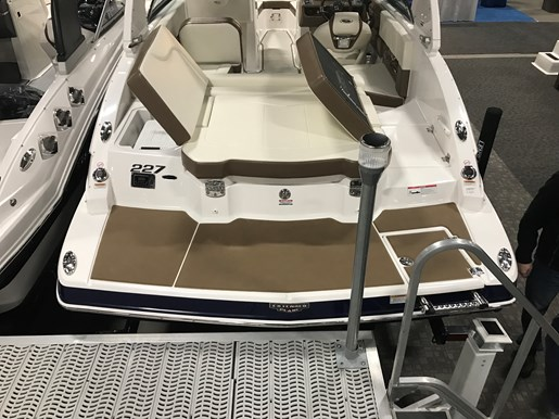 2017 Chaparral 227 SSX Photo 4 of 5