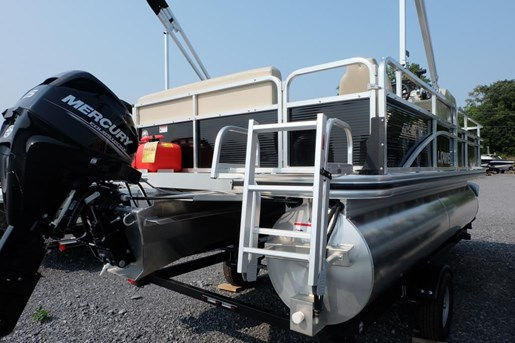 Lowe boats ultra 162 fish cruise mercury 40hp live well f for Fish without mercury