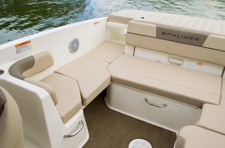 2017 Bayliner VR6 Photo 4 of 29
