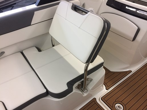 2017 Bayliner VR6 Photo 12 of 29