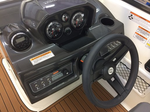 2017 Bayliner VR6 Photo 18 of 29