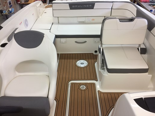 2017 Bayliner VR6 Photo 27 of 29