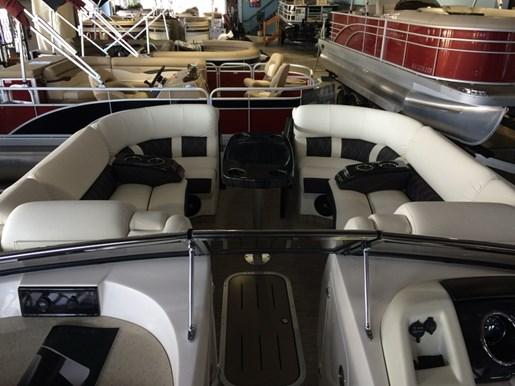 Pontoon Boat Seats For Sale >> Bennington 25 QX - Swingback Windscreen Sport Arch 2017 ...