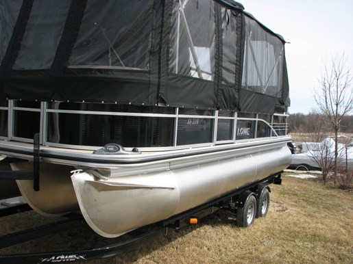 2017 Lowe Boats SS210 Tri-Toon Photo 3 of 27