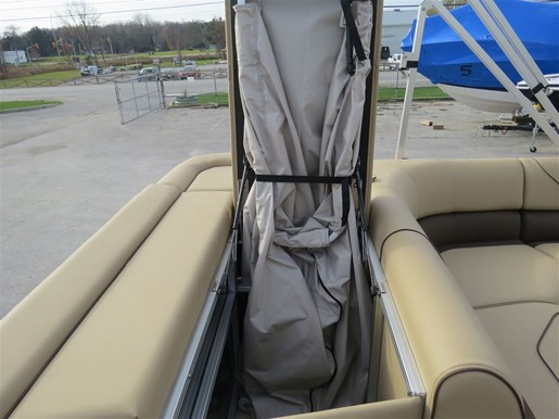 2017 Lowe Boats SS210 Mercury 115HP Trailer Full Enclosure Tri-... Photo 23 of 24