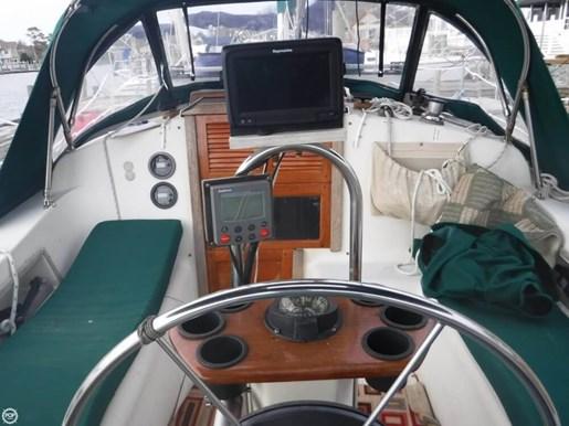 1985 Irwin Yachts Photo 2 of 20