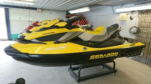 2009 Sea-Doo RXT iS 255 Photo 2 of 4