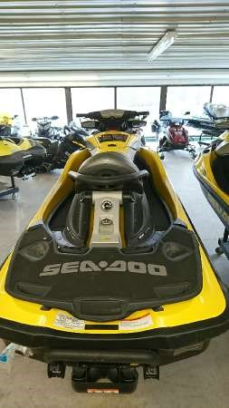 2009 Sea-Doo RXT iS 255 Photo 3 of 4