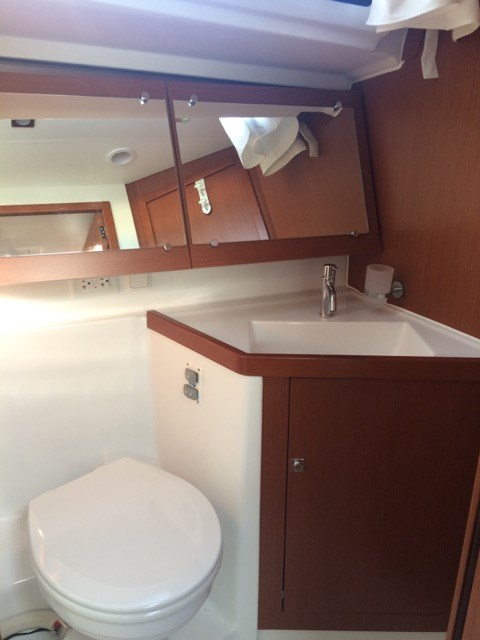 2015 Beneteau Oceanis 41 Platinum Edition Photo 19 sur 23