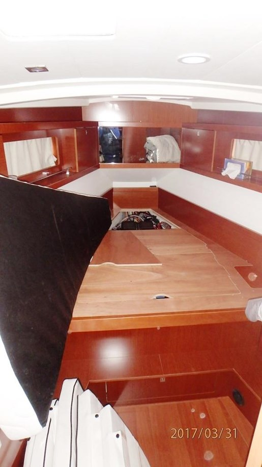 2012 Beneteau Oceanis 41 Photo 40 sur 47
