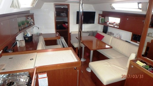 2012 Beneteau Oceanis 41 Photo 25 sur 47
