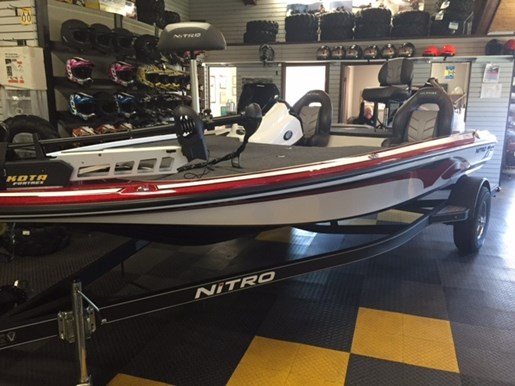 For Sale: 2017 Nitro Z18 Dc 18ft<br/>George's Marine & Power Sports - Ottawa - A Division of Pride Marine