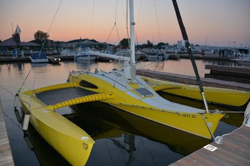 1984 Newick Somersault 26 Trimaran Photo 1 of 11