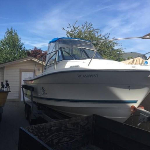 bateau de peche trophy a vendre