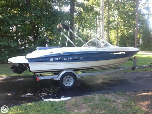 Bayliner 2012 used boat for sale in salisbury maryland for Outboard motors for sale maryland